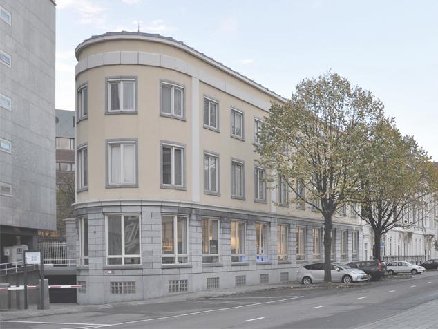 Burg. van Karnebeeklaan nr.6
